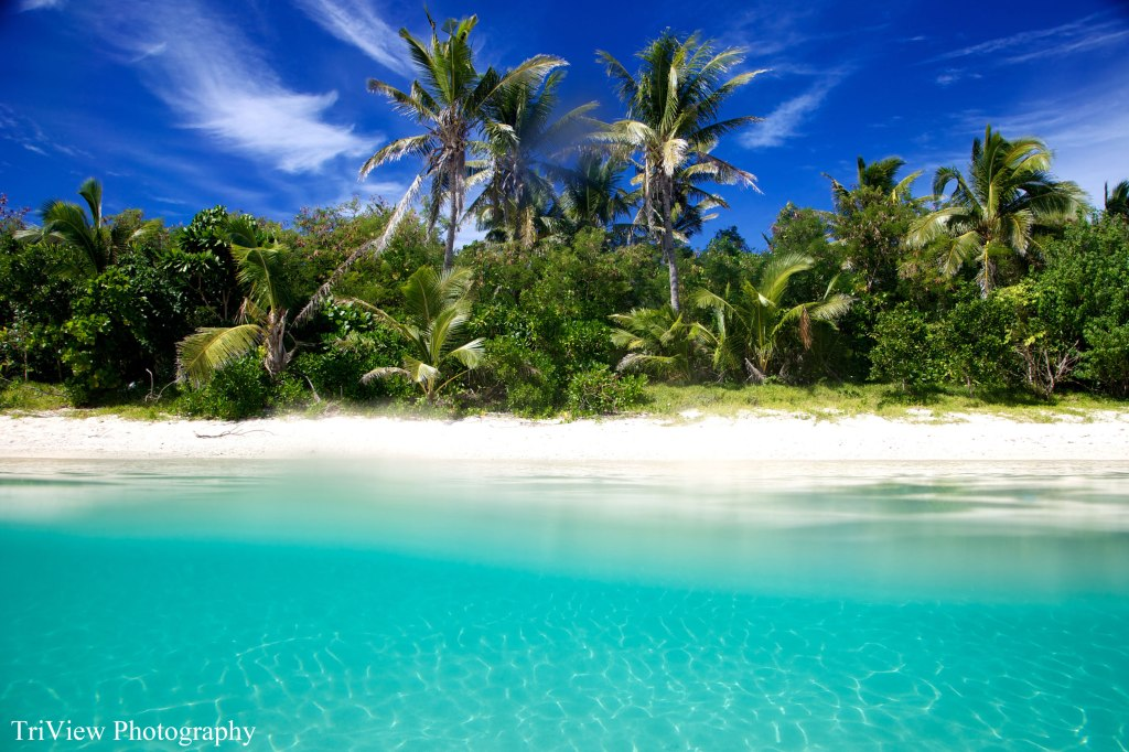 Fiji-paradise---blue-lagoon-