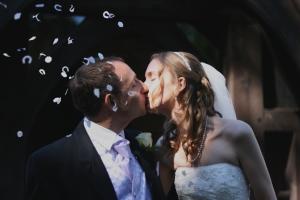 wedding photography happy couple kiss