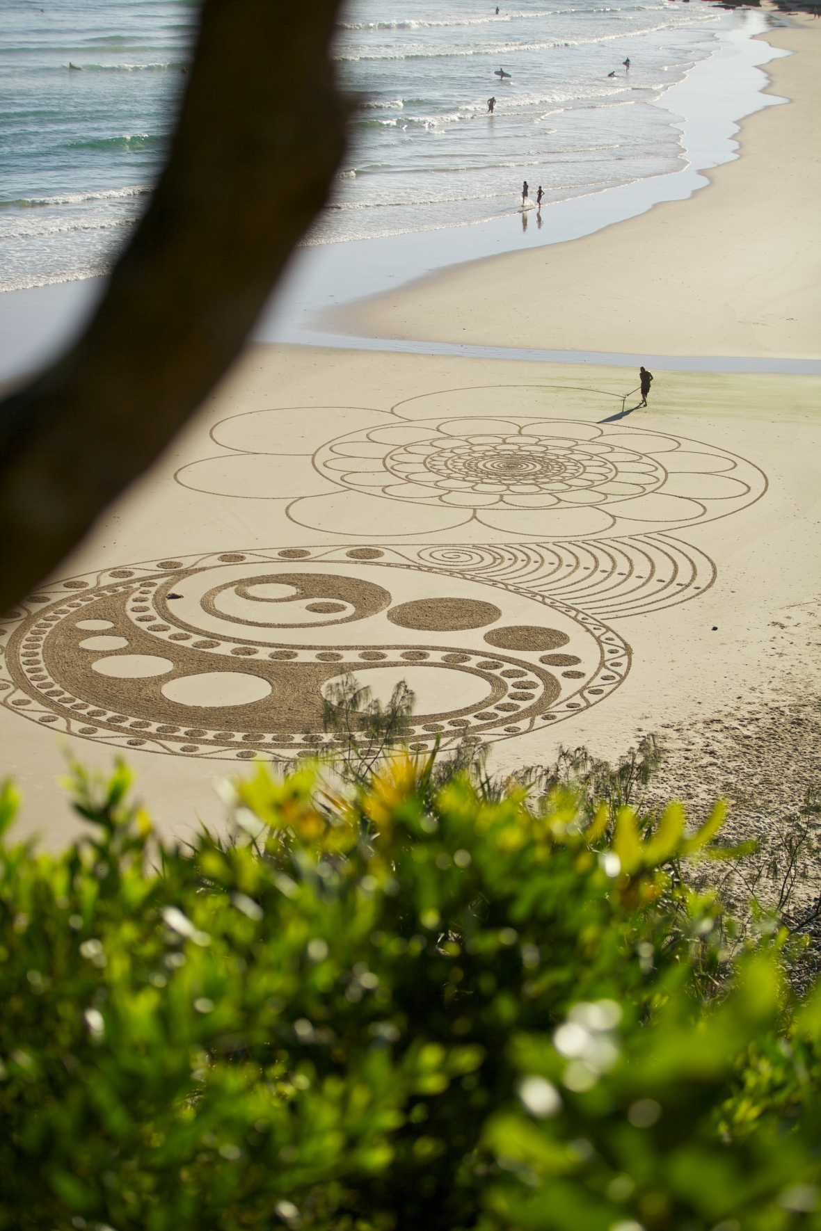 Sand art Byron Bay